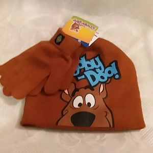 Childs size SCOOBY-DOO! winter hat and gloves set